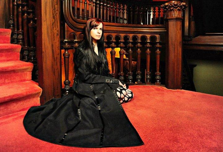 Female model photo shoot of TheDeadAngel