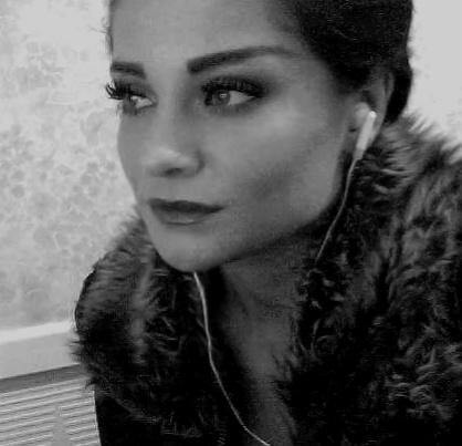 Female model photo shoot of Olivia123