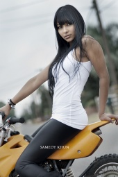 http://photos.modelmayhem.com/photos/110929/10/4e84acb3c08aa_m.jpg