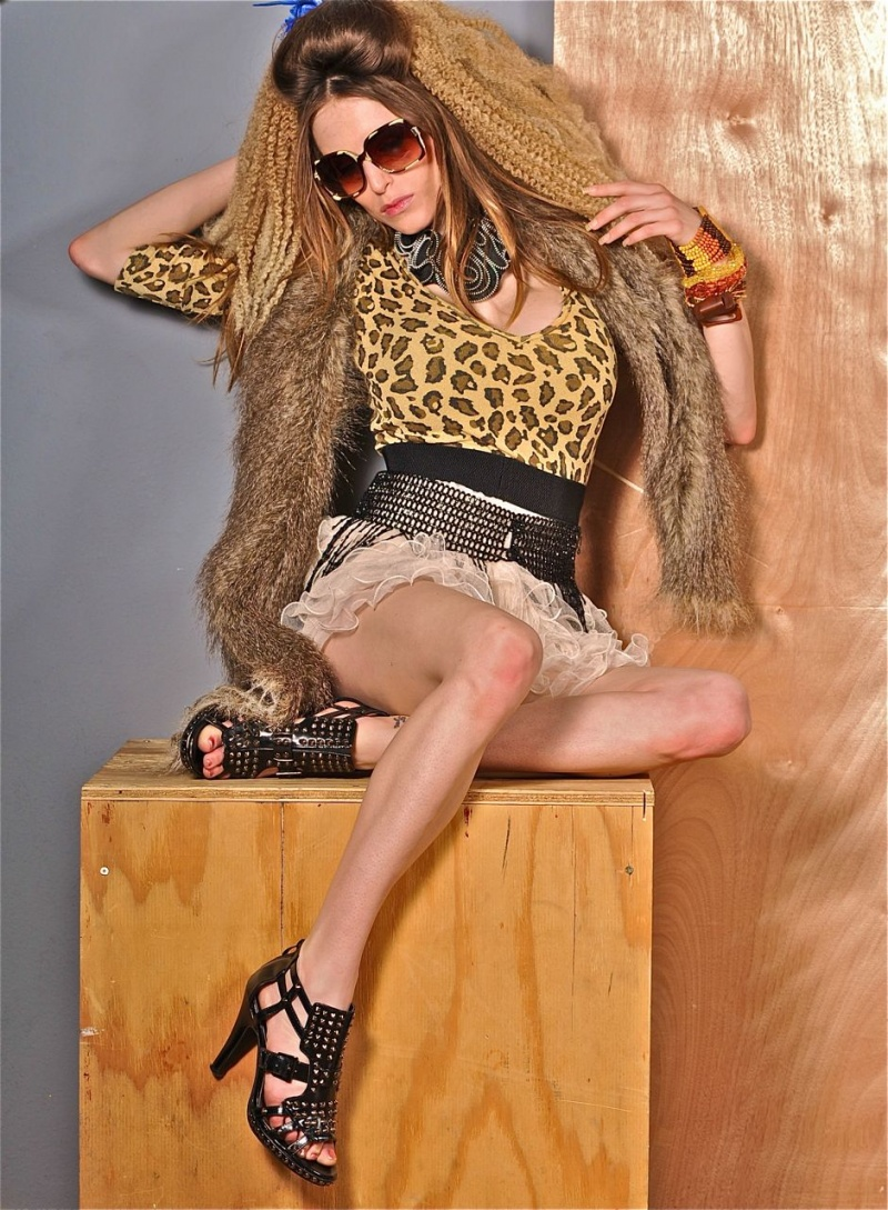 Female model photo shoot of Tracy Marie Briare