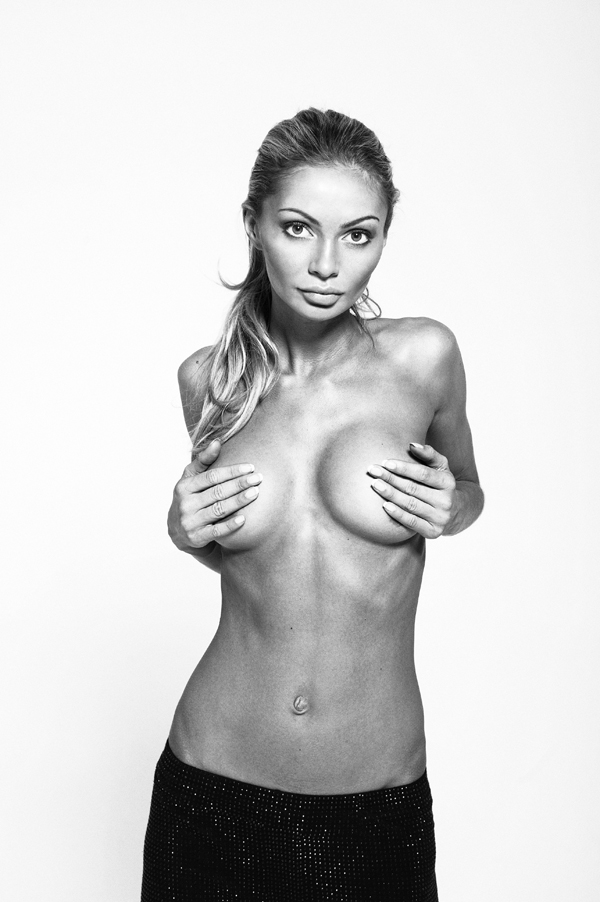 Oct 03, 2011 gia skova undress