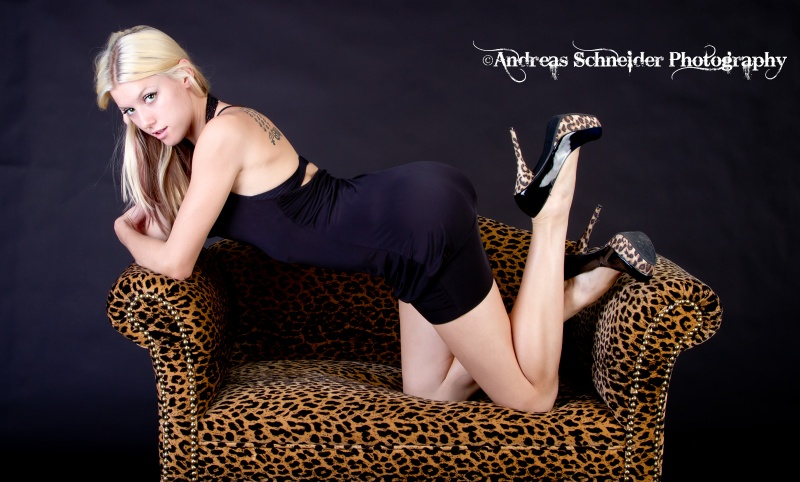 Female model photo shoot of Maili Michelle by Andreas Schneider