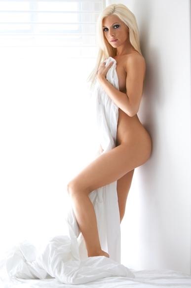 http://photos.modelmayhem.com/photos/111005/18/4e8d090d140d9.jpg