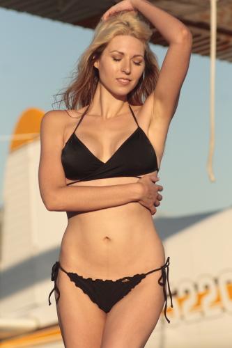Female model photo shoot of Jessica Farwell by Aleza Photography