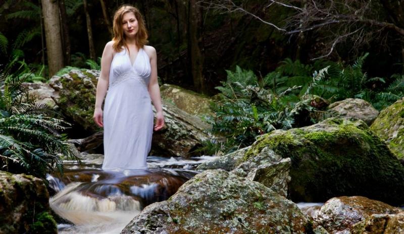 Female model photo shoot of bonnieblueeyes by whitelightimage
