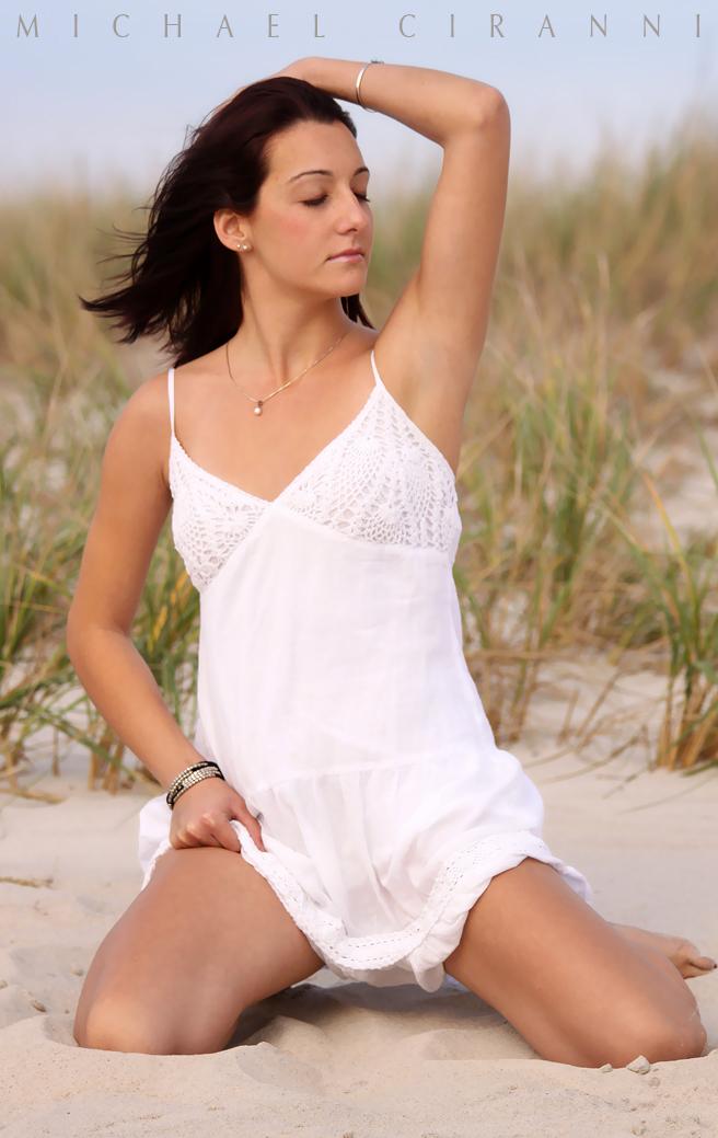 http://photos.modelmayhem.com/photos/111012/01/4e954f0e2c671.jpg