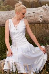 http://photos.modelmayhem.com/photos/111013/07/4e96f1b422b2b_m.jpg