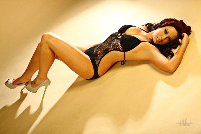 Female model photo shoot of Tina Steel