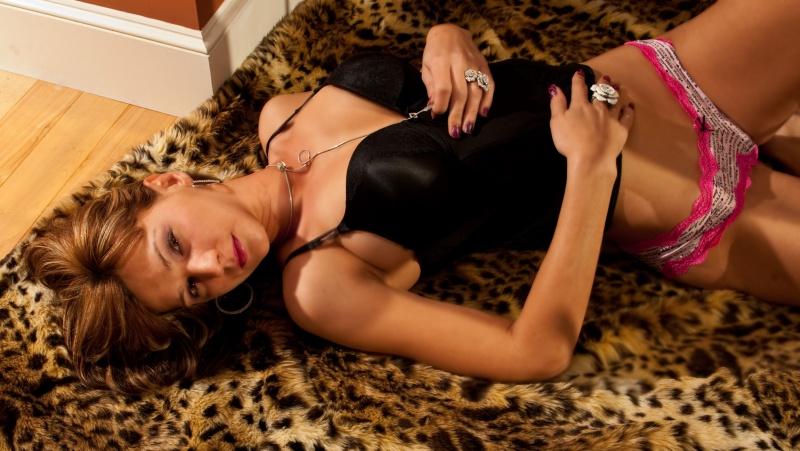 Oct 16, 2011 A discreet Exposure 2011