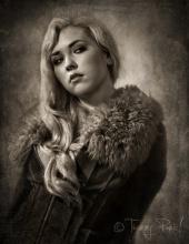 http://photos.modelmayhem.com/photos/111016/15/4e9b59fa6a309_m.jpg