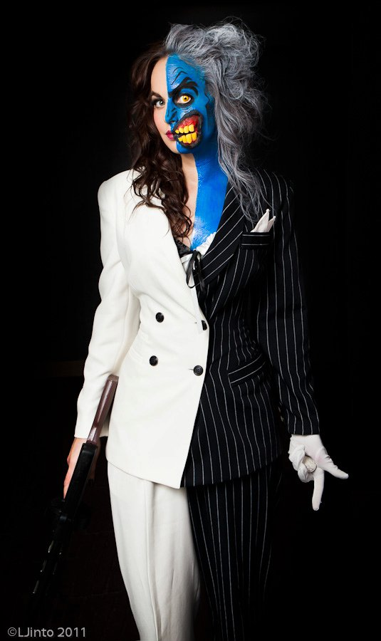 Oct 21, 2011 Costume: Meagan Marie, Makeup: Hydred Makabali, Photos: LJinto Lady Two-Face Cosplay