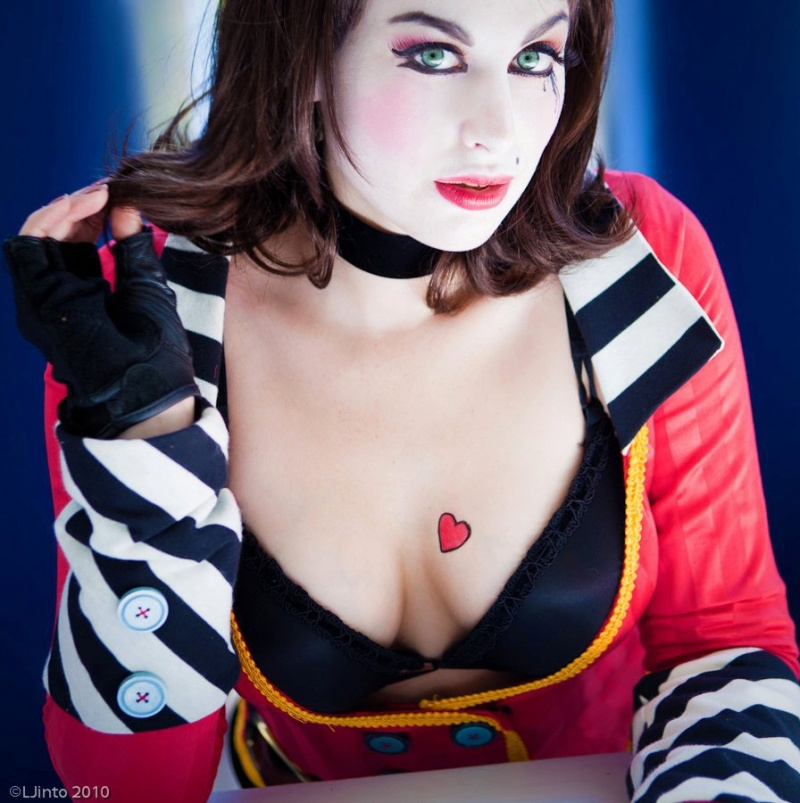 Oct 21, 2011 Mad Moxxi Cosplay
