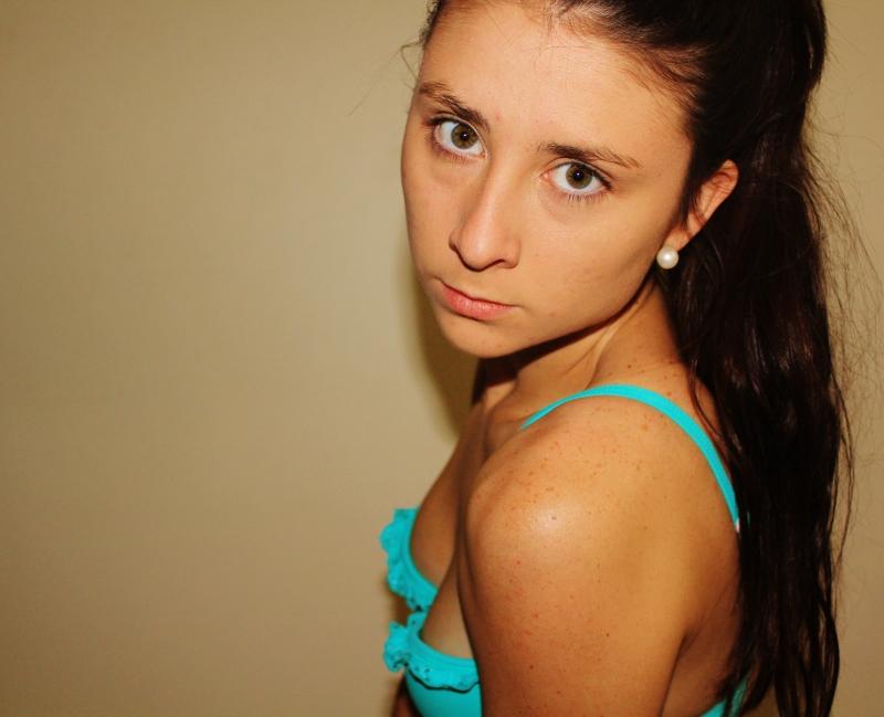 Female model photo shoot of Eliza Marsh