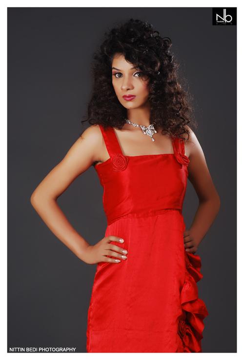 Female model photo shoot of loveleen kaur