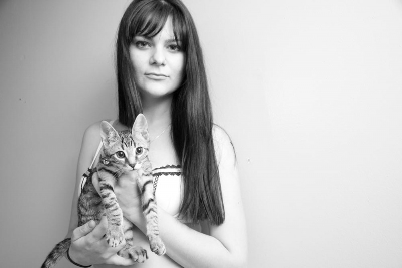 Oct 26, 2011 Rachel & kitten (test)