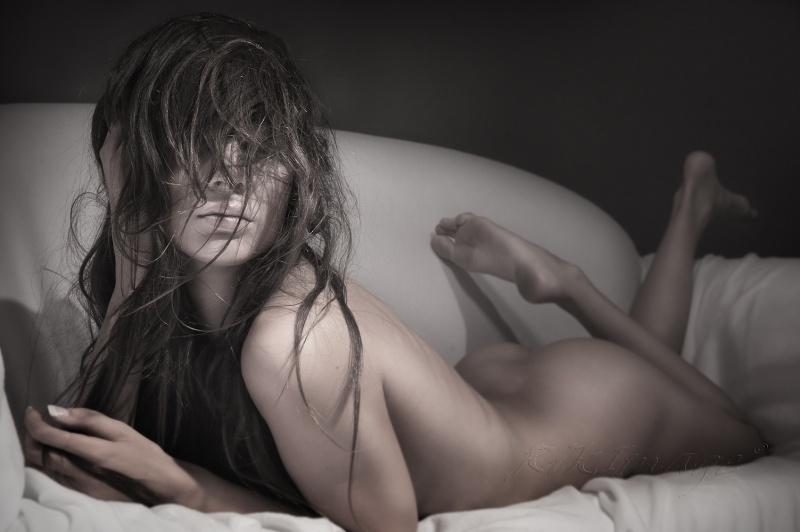 https://photos.modelmayhem.com/photos/111028/23/4eab98ae5e3f2.jpg