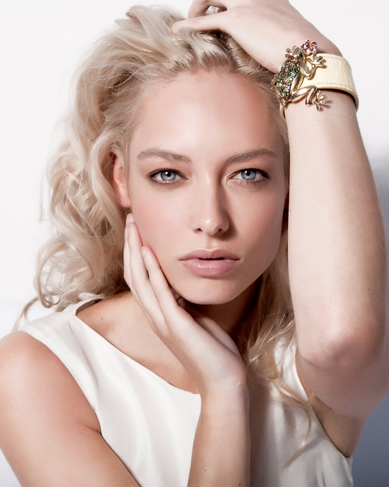 Female model photo shoot of Csilla  Elekes in London