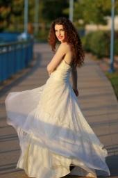 https://photos.modelmayhem.com/photos/111029/22/4eace7acd3cb0_m.jpg