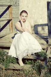 http://photos.modelmayhem.com/photos/111031/23/4eaf8e602f36e_m.jpg