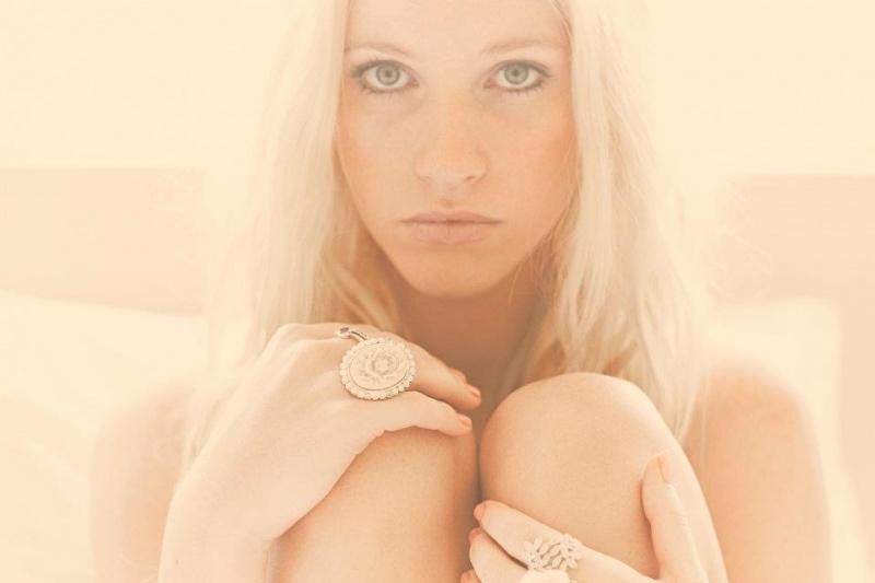 Female model photo shoot of Kahli Anne