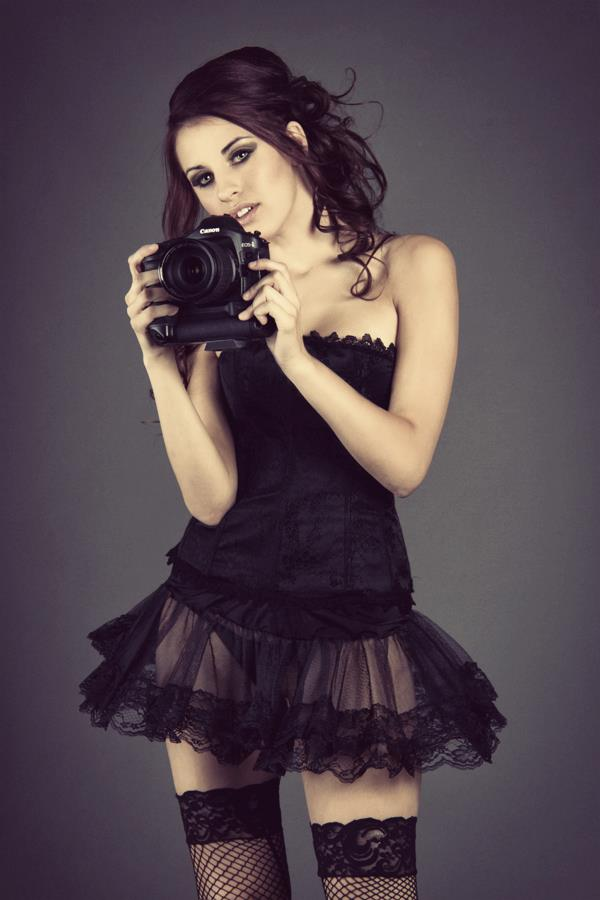 http://photos.modelmayhem.com/photos/111101/08/4eb0159347f80.jpg