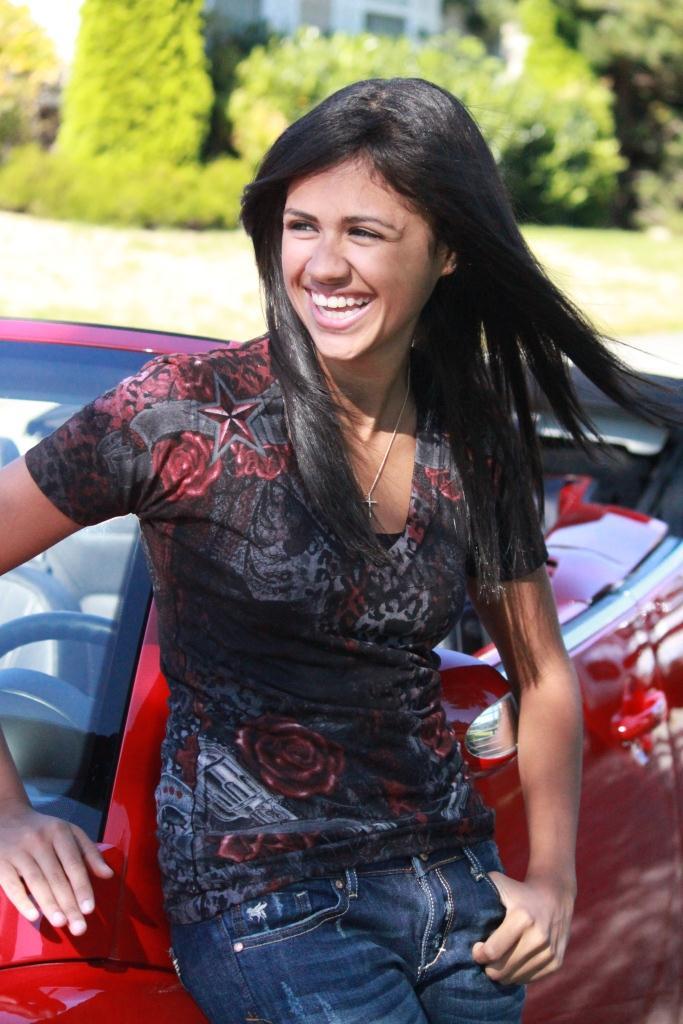 Female model photo shoot of Soraya Constantine