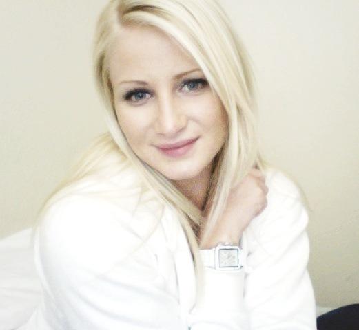 Female model photo shoot of MaryAnn
