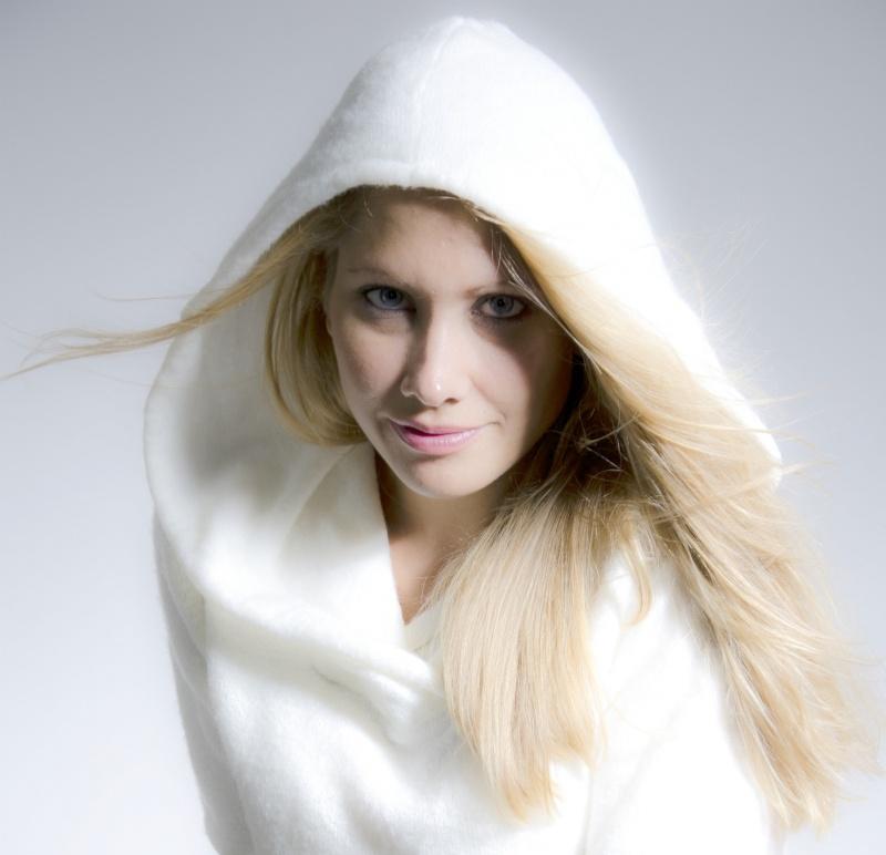 Female model photo shoot of AmberLeeW by Bella Model Co. in Syracuse, NY