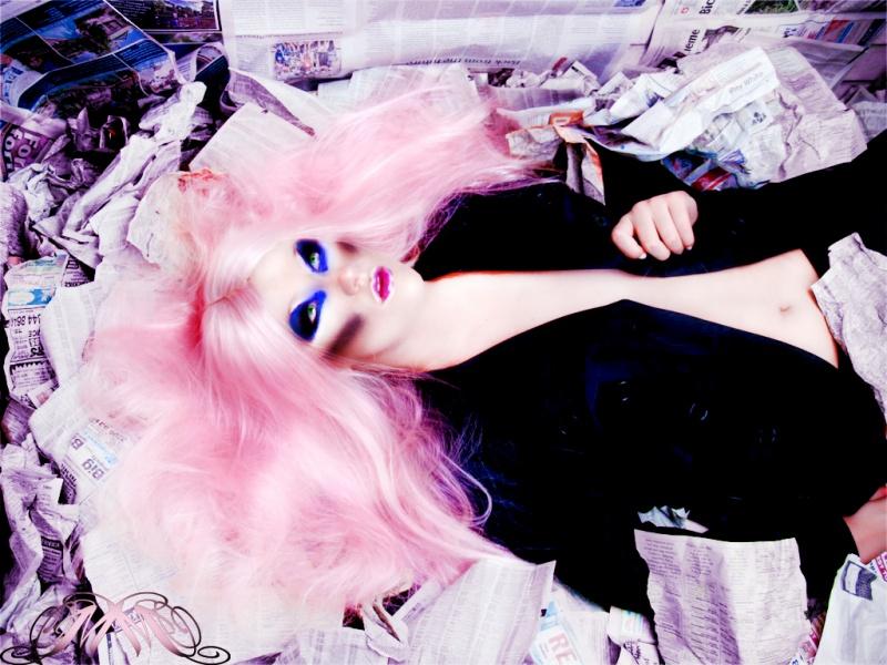 Minaj Studio Nov 08, 2011 Minaj Trash Shoot... For some reason i LOVE trash bahaha
