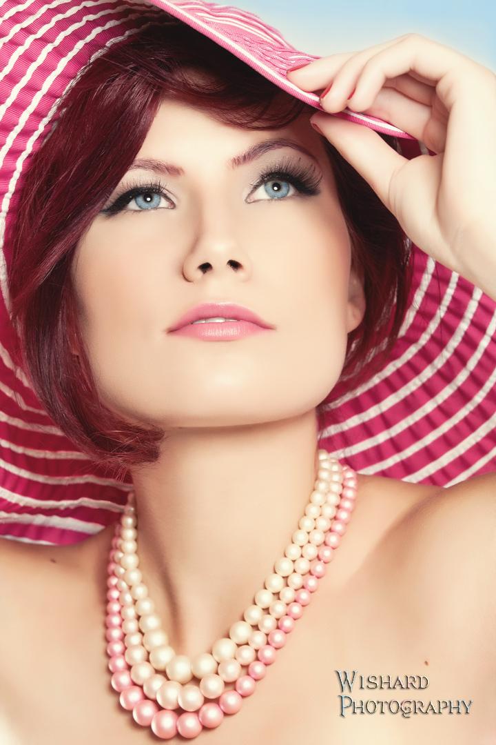 http://photos.modelmayhem.com/photos/111109/10/4ebac90449409.jpg