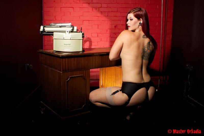 Female model photo shoot of EllyRedCain