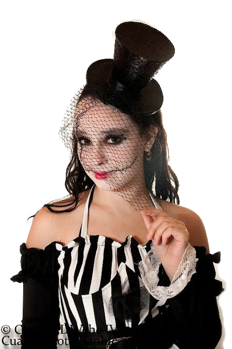 Female model photo shoot of Drisana Rodriguez-Marti