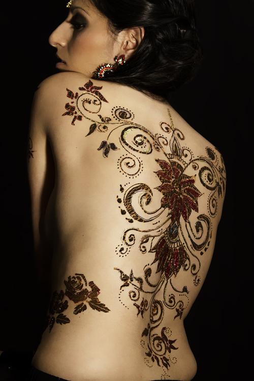 toronto Nov 15, 2011 henna-body art-henna on back-glitter henna