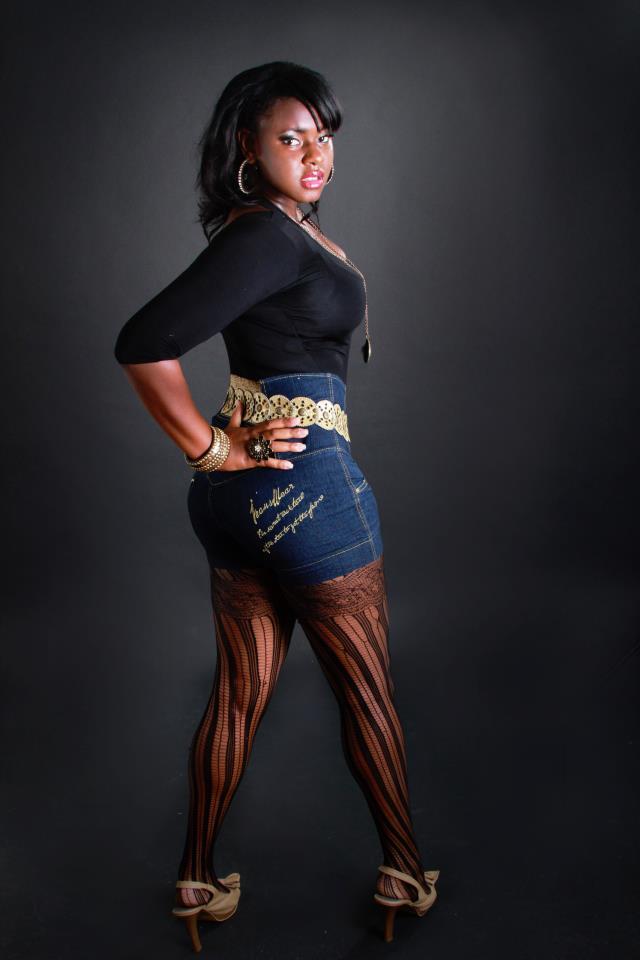 Female model photo shoot of aizhalon quashie