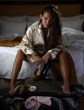 http://photos.modelmayhem.com/photos/111119/15/4ec83a58ccb9f_m.jpg