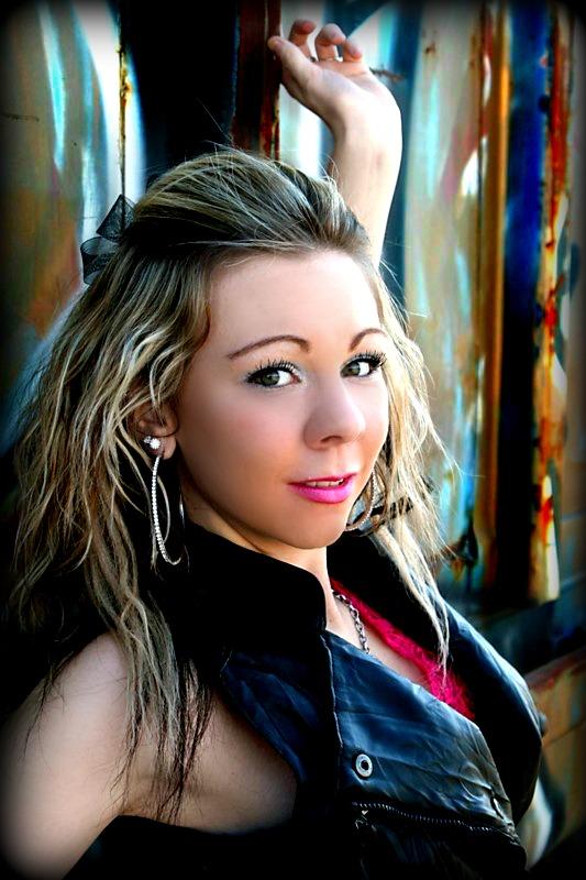 http://photos.modelmayhem.com/photos/111120/19/4ec9bfffc9167.jpg