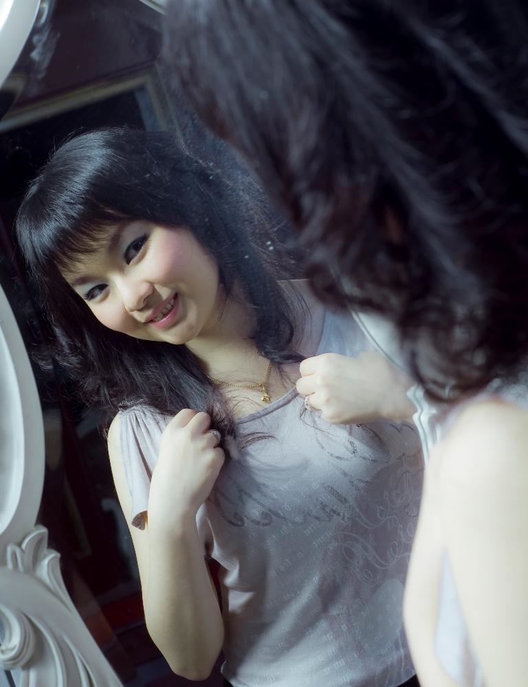 Female model photo shoot of Cindy Putri Kumala