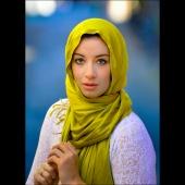 http://photos.modelmayhem.com/photos/111129/20/4ed5b638a7f3e_m.jpg