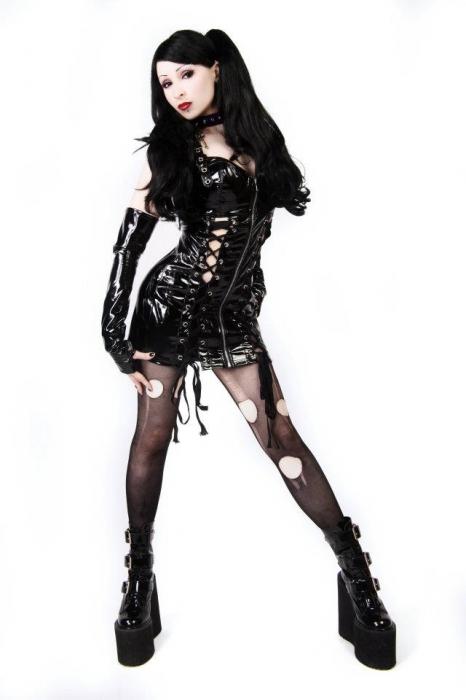 Female model photo shoot of Rosie Rose Darling