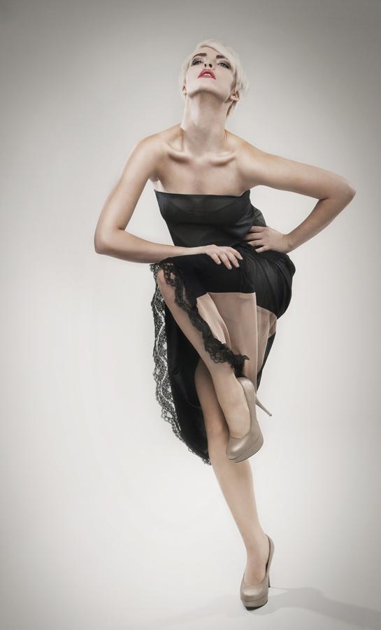 Dec 05, 2011 Jesse Paulk MeUse Magazine - Dec 2011 - Kelly Calabrese Designer