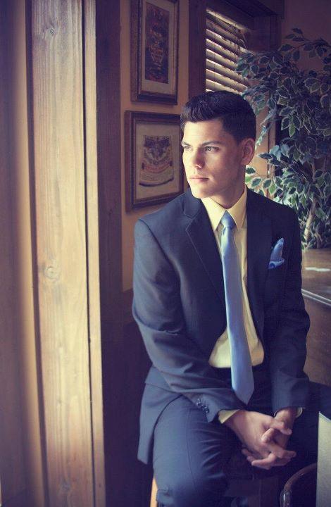 Male model photo shoot of Jonathan Meneses