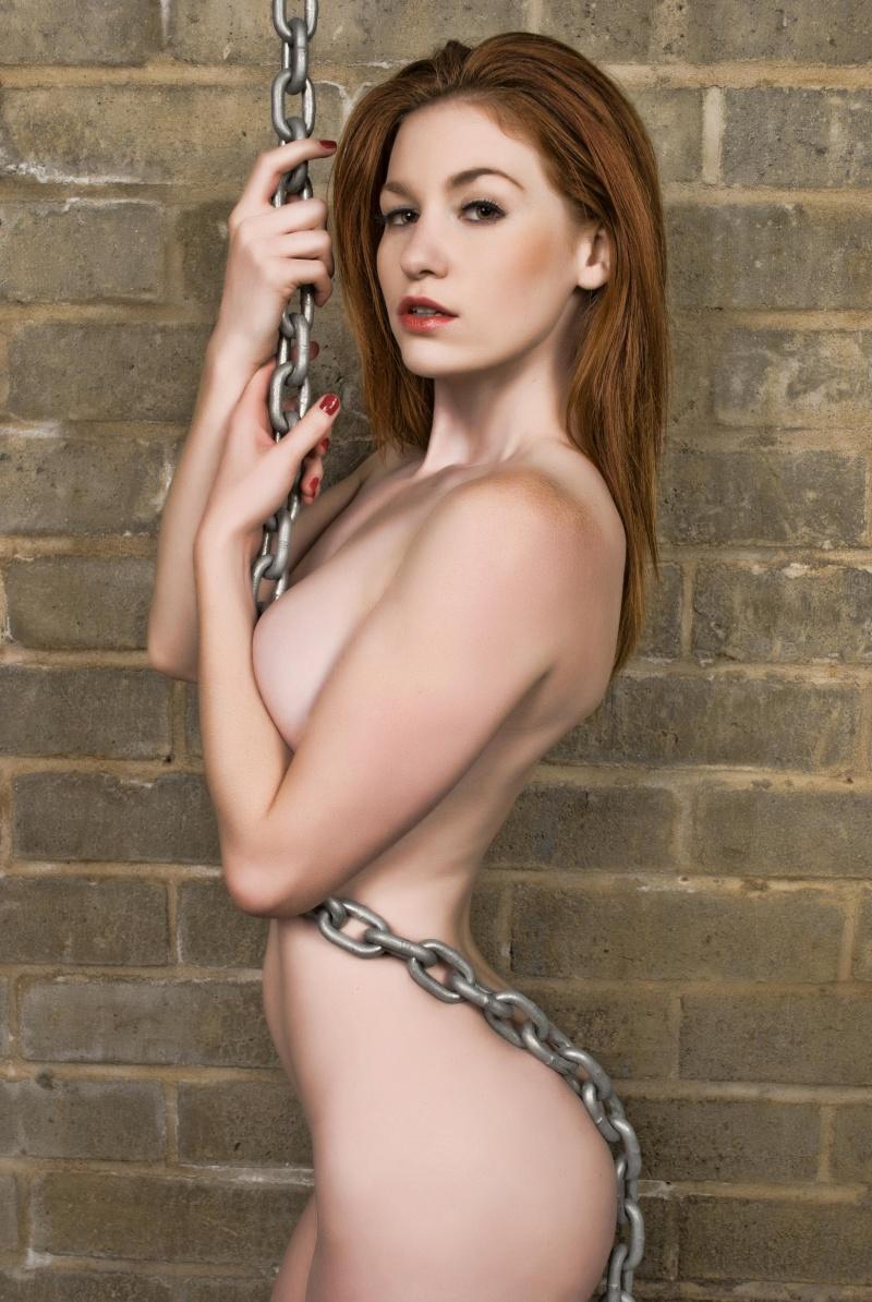 http://photos.modelmayhem.com/photos/111206/11/4ede7123a454c.jpg