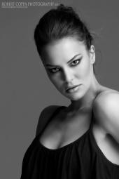 http://photos.modelmayhem.com/photos/111210/21/4ee446b1bf308_m.jpg