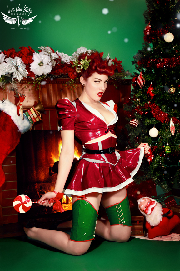 Dec 14, 2011 New Christmas Photos: Model Porcelain PVC Clothing by the talent Artifice Clothing Set and hair by viva van story