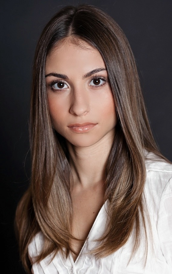Female model photo shoot of Lynn Telzer by Chris Sista