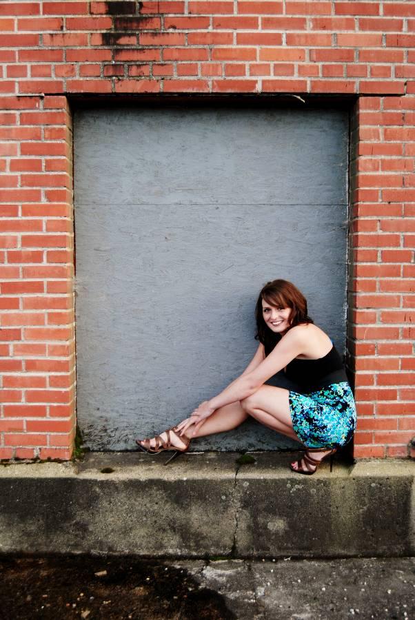 Female model photo shoot of Robyn Katrina