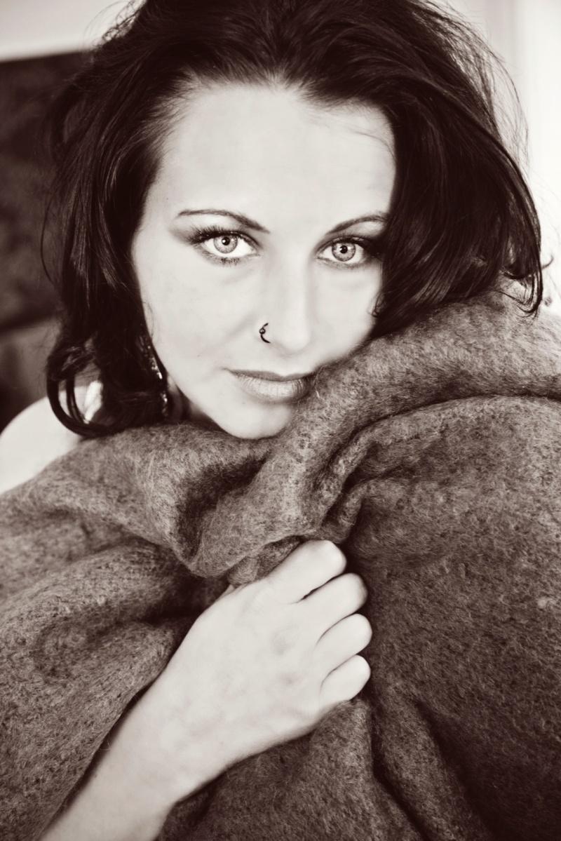 Female model photo shoot of JustineHough