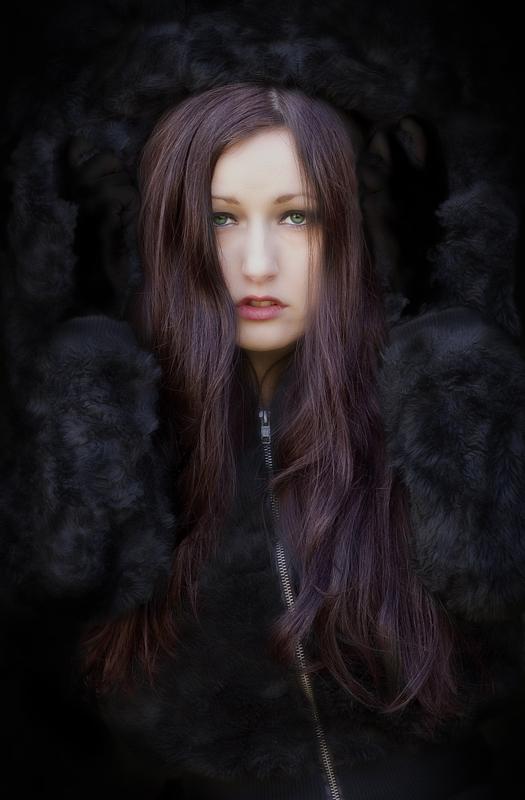 http://photos.modelmayhem.com/photos/111218/00/4eeda4993f5fc.jpg