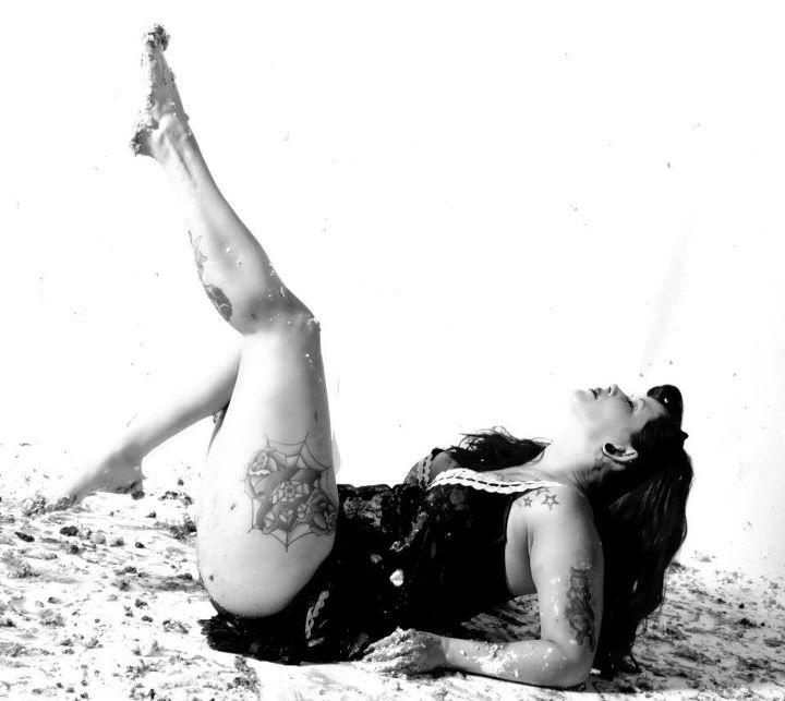 Female model photo shoot of EllyRedCain in Eternal Art Studio