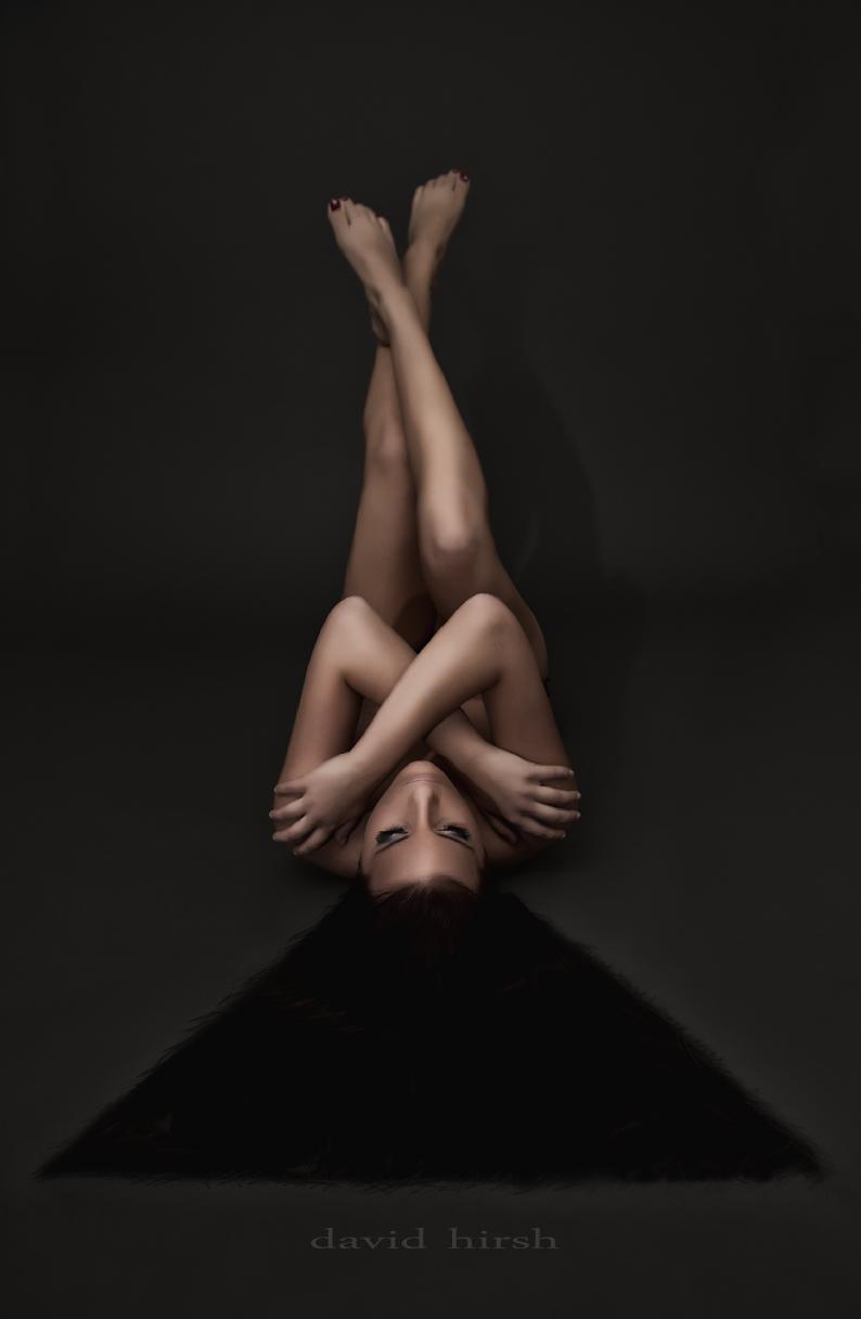 http://photos.modelmayhem.com/photos/111221/12/4ef23ae3a9348.jpg